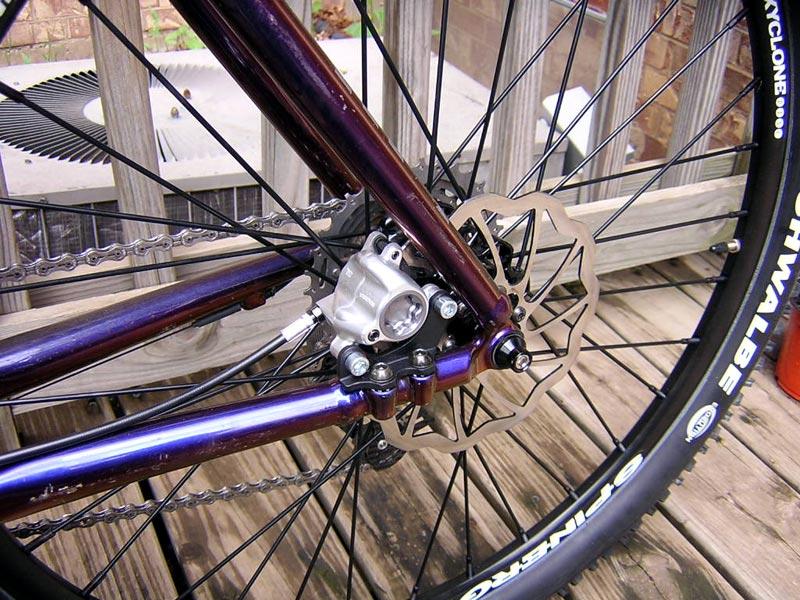 Человек покупает бюджетный велосипед, а может быть, неплохую раму, но такой конструкции