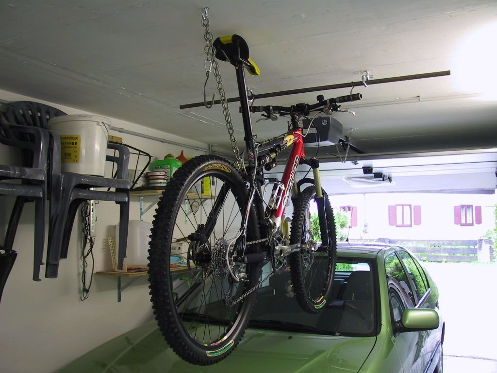 aufbewahrung von 4 r dern in einer garage was gibt es da f r l sungen mtb. Black Bedroom Furniture Sets. Home Design Ideas